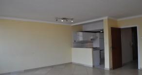 Gunstig gelegen 2 slpk-appartement met terras, Nederkouter (Ref:70)
